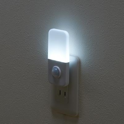 YAZAWA(ヤザワ) 人感・明暗LEDセンサーライト  NASMN22WH 画像2