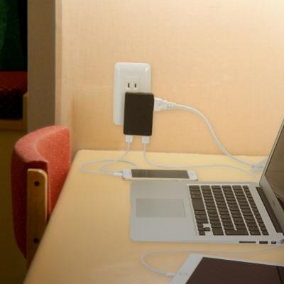 YAZAWA(ヤザワ) 【在庫限り】USBタップ 1AC+2USB 3.4A ブラック  H63002UBK 画像4